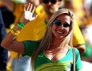 Suporter Cantik Seksi Laga Pembuka Piala Dunia 2014