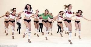 Tarian Seksi Penyemangat Tim Jerman di Piala Dunia 2014