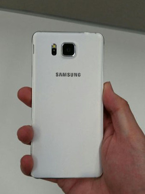 Foto Bocoran Samsung Galaxy Alpha Putih