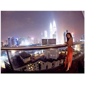 Foto-foto Seksi Widy Vierratale di Kuala Lumpur