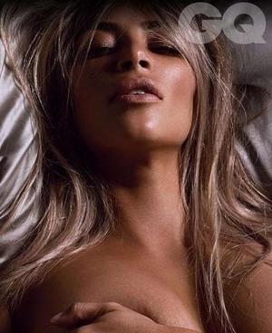 Super Seksi! Foto Bugil Kim Kardashian di GQ