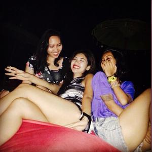 Foto Della, Adik Julia Perez Pakai Bikini Seksi di Lombok