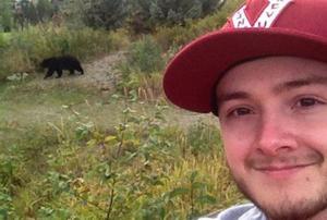 Bear Selfie, Tren Selfie Bersama Beruang Liar di Amerika