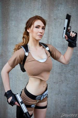 Cosplay Lara Croft Terseksi