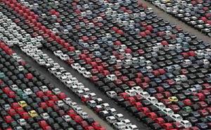 Tempat Pembuangan Mobil Tak Laku
