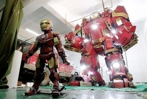 Replika Iron Man Hulkbuster Buatan China