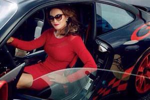 Foto Penampilan Perdana Bruce Jenner Sebagai Caitlyn Jenner