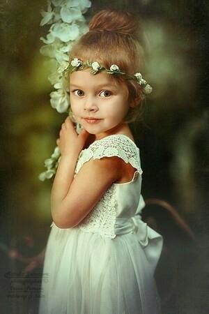 Foto Anna Pavaga, Bocah 6 Tahun Secantik Bidadari