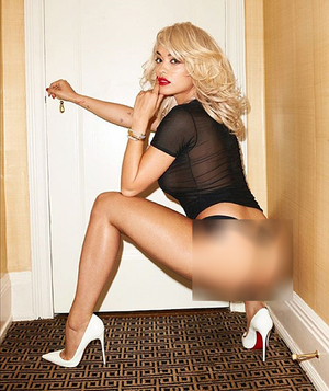 Foto Rita Ora Telanjang Sambil Main Piano di Majalah Lui