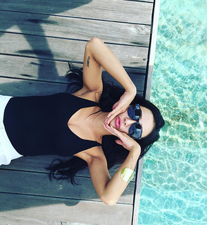 Foto Seksi Hyorin Sistar di Bali Bikin Heboh Fans