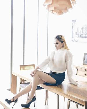 Foto Marshanda Pamer Paha Mulus & Seksi di Majalah Cosmopolitan