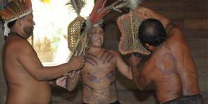 Sambians, suku peminum air mani - 10 Tradisi Seks Aneh Tak Masuk Akal Di Dunia