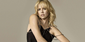 Charlize Theron - 4 Aktris Cantik Ini Diprediksi Bakal Jadi Antagonis di Fast 8