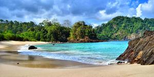 Pantai Plengkung Banyuwangi - 7 Pantai di Jawa Timur ini Cocok Jadi Destinasi Unggulan