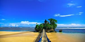 Pantai Balekambang Malang - 7 Pantai di Jawa Timur ini Cocok Jadi Destinasi Unggulan