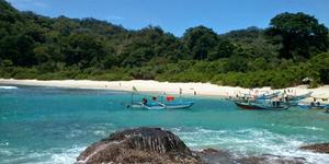 Pantai Wedi Ireng Banyuwangi - 7 Pantai di Jawa Timur ini Cocok Jadi Destinasi Unggulan