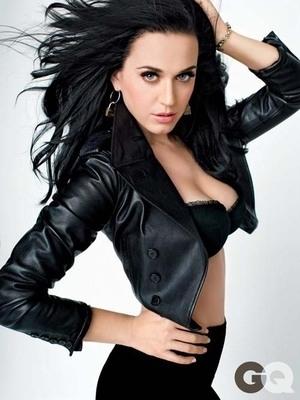 Katy Perry Berpose Seksi dengan Lingerie di GQ