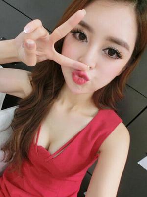 Xue Xiaotang, Presenter Cantik & Seksi Asal Tiongkok