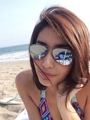 Kumpulan Foto Hot Tyas Mirasih Pakai Bikini Super Menggoda