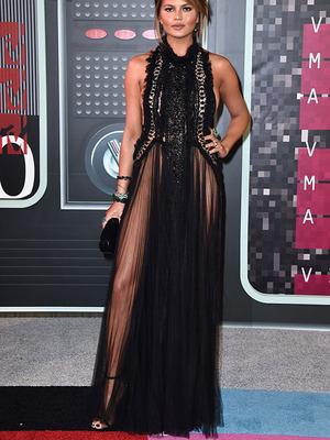 3 Artis Pakai Gaun Tanpa Dalaman di MTV VMA 2015