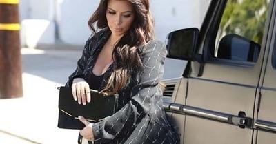 Hamil Kim Kardashian Pamer Payudara Montoknya