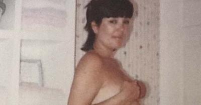 Ibu Kim Kardashian Unggah Foto Bugilnya Saat Hamil Dulu