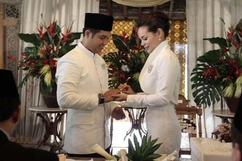FOTO: Akad Nikah Dewi Sandra dan Agus Rahman - 9