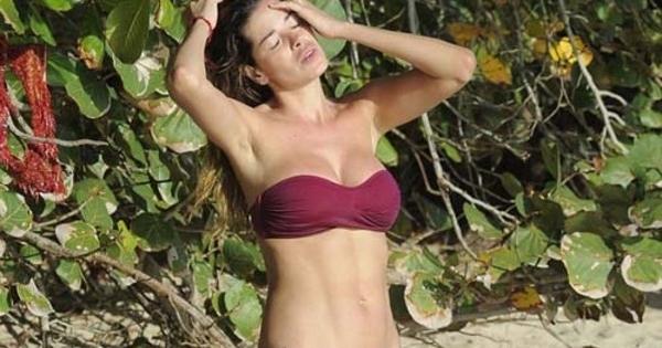 Für eine Pakai bikini kecil she