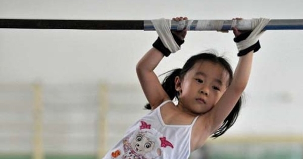 foto ngeri calon atlet masa depan di china dilatih