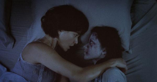 Alone (2007) - 10 Film Horor Thailand Terseram