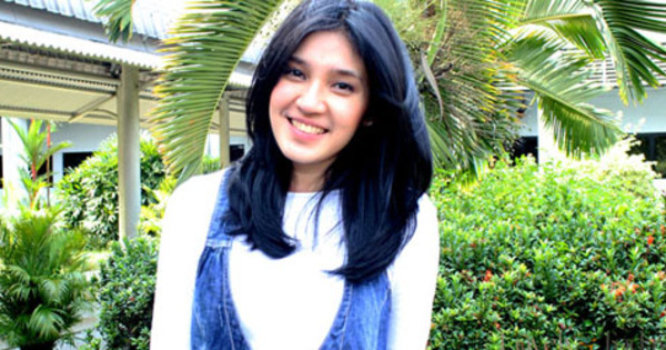 dhini aminati   5 artis wanita cantik indonesia yang berkumis