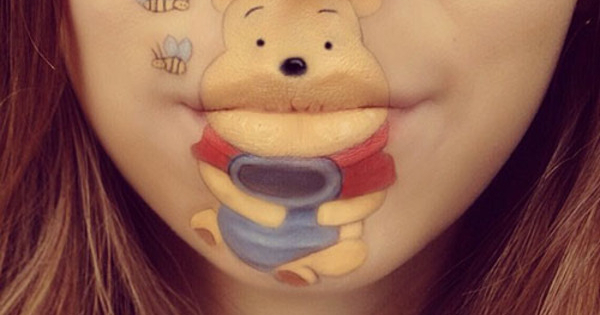 foto karya lukis karakter kartun dengan media bibir ala