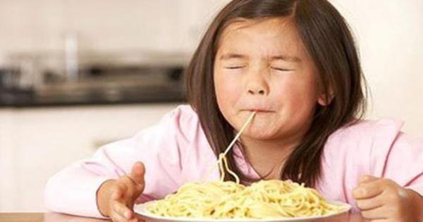 Hati-Hati! Inilah 8 Bahaya Makan Nasi Dengan Mie Untuk Tubuh