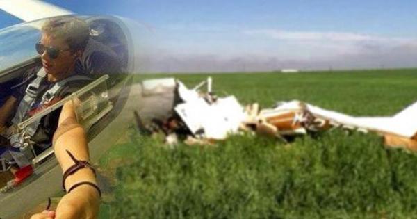 Selfie Ekstrem : Pesawat Jatuh Gara-Gara Pilot Selfie, 2