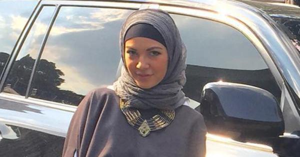 Ratna Galih: Ratna Galih Mantap Berhijab Berkat Alquran