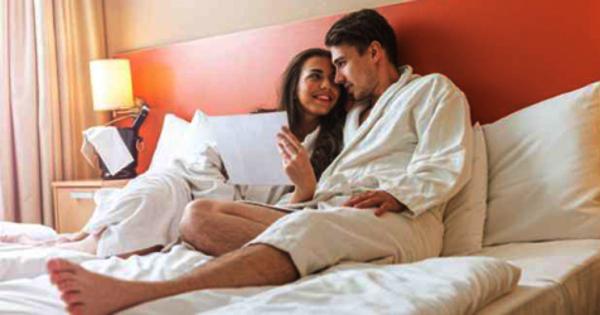 Alasan Tidur Telanjang Di Hotel Tidak Disarankan