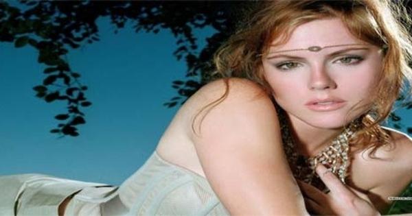 Bianca asian model